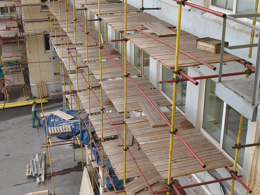 Правильное хранение строительных лесов - залог длительной службы конструкции